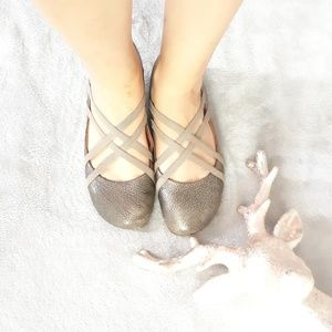 Gentle souls  ballerina straps flats size 8M